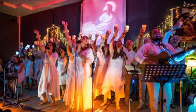 christmas the mantra room asmy gold coast celebration festival choir of angels ashraya mantras meditation mindfulness jesus christ songs hymns holidays